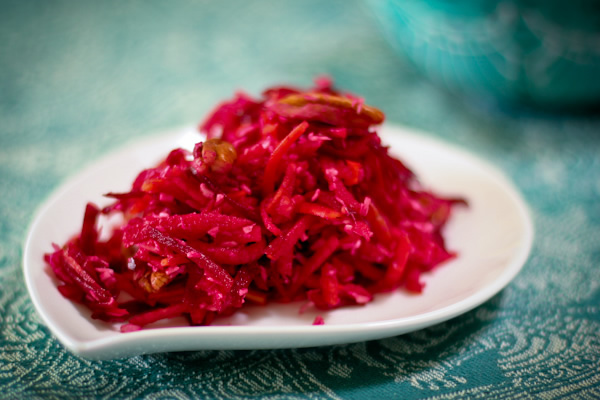 Raw beet carrot salad