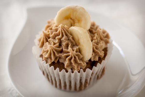Roasted banana mochi cupcakes