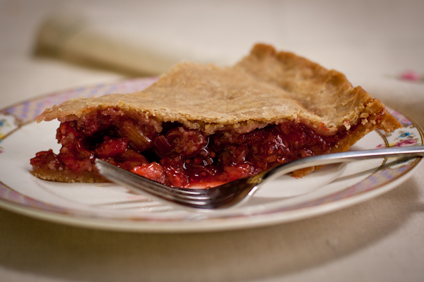 Strawberry Rhubarb Cherry Pie glutenfree sugarfree