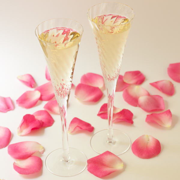 Champagne  and rose petals | Wedding e-book from Recipe Renovator