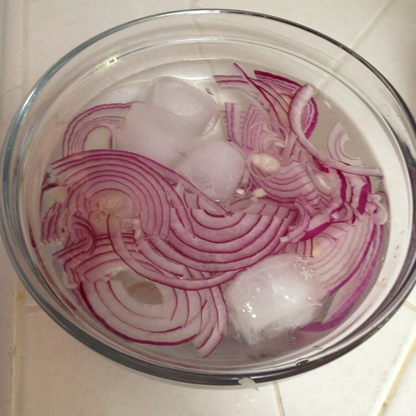 Red Onions for Mango Salad